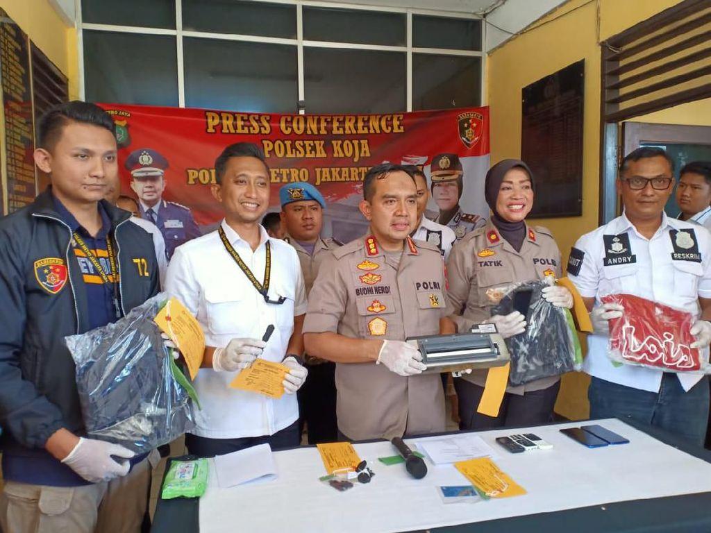 Bobol ATM di Jakut dan Bekasi Pakai Obeng, 4 Orang Ditangkap Polisi