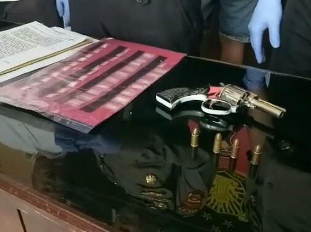 Bandar di Lahat Sumsel Ditangkap, 38 Paket Sabu-Senpi Rakitan Disita