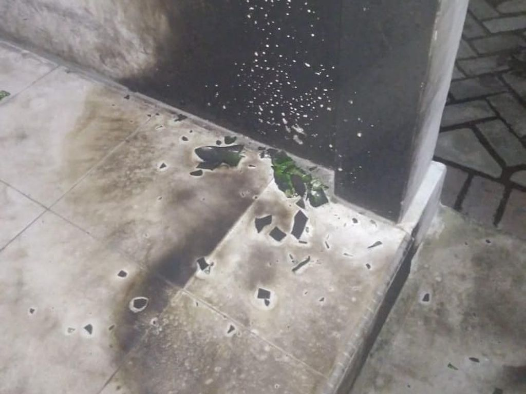 Kantor Satpol PP Riau Dilempari Bom Molotov
