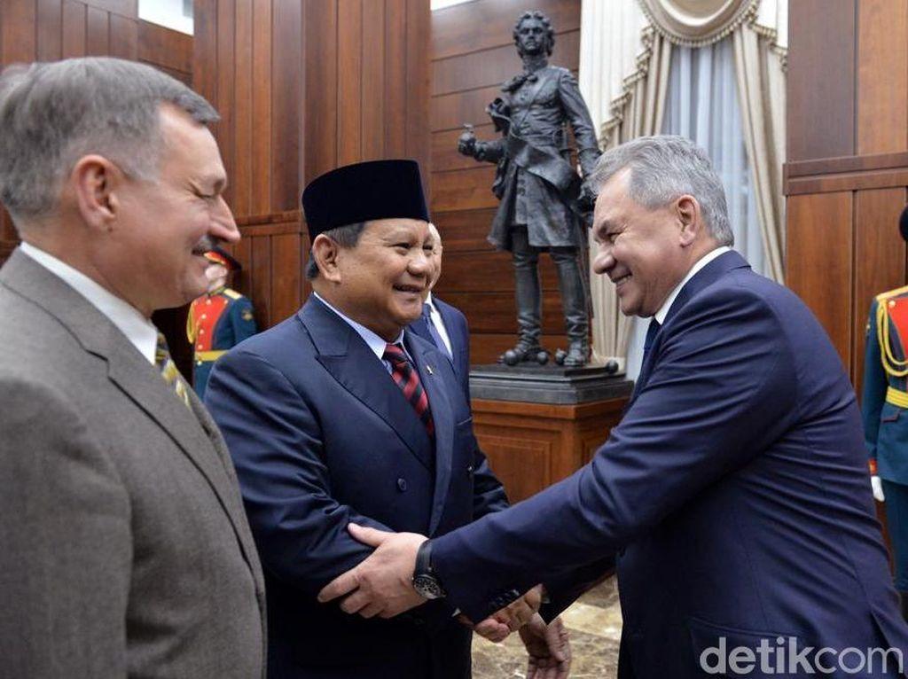 PKS Kembali Sentil Kunker Prabowo ke Luar Negeri