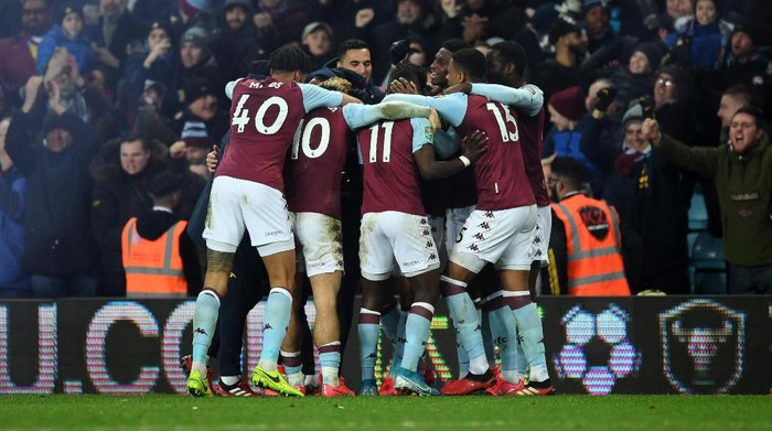 BIRMINGHAM, ENGLAND - JANUARY 28:  Mahmoud Trezeguet of Aston Villa celebrates scoring his teams second goal of the game with team mates during the Carabao Cup Semi Final match between Aston Villa and Leicester City at Villa Park on January 28, 2020 in Birmingham, England. (Photo by Shaun Botterill/Getty Images)