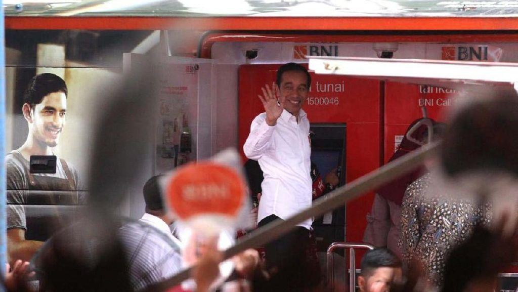 Jokowi Hadiri Penyaluran Bansos Non Tunai PKH