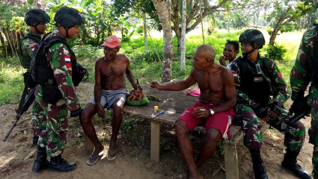 TNI Pererat Hubungan Bersama Masyarakat Papua