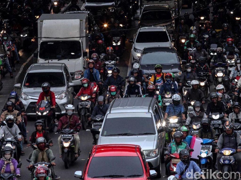 Susahnya Sembuhkan Macet Jakarta
