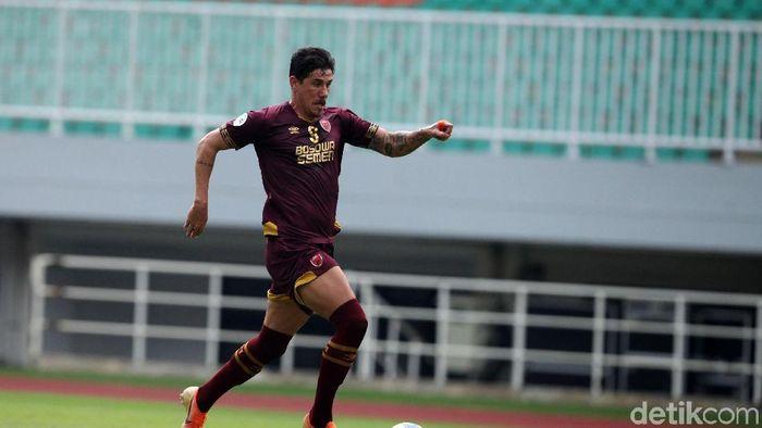 Giancarlo Rodrigues adalah pemain sepakbola asal Brasil.