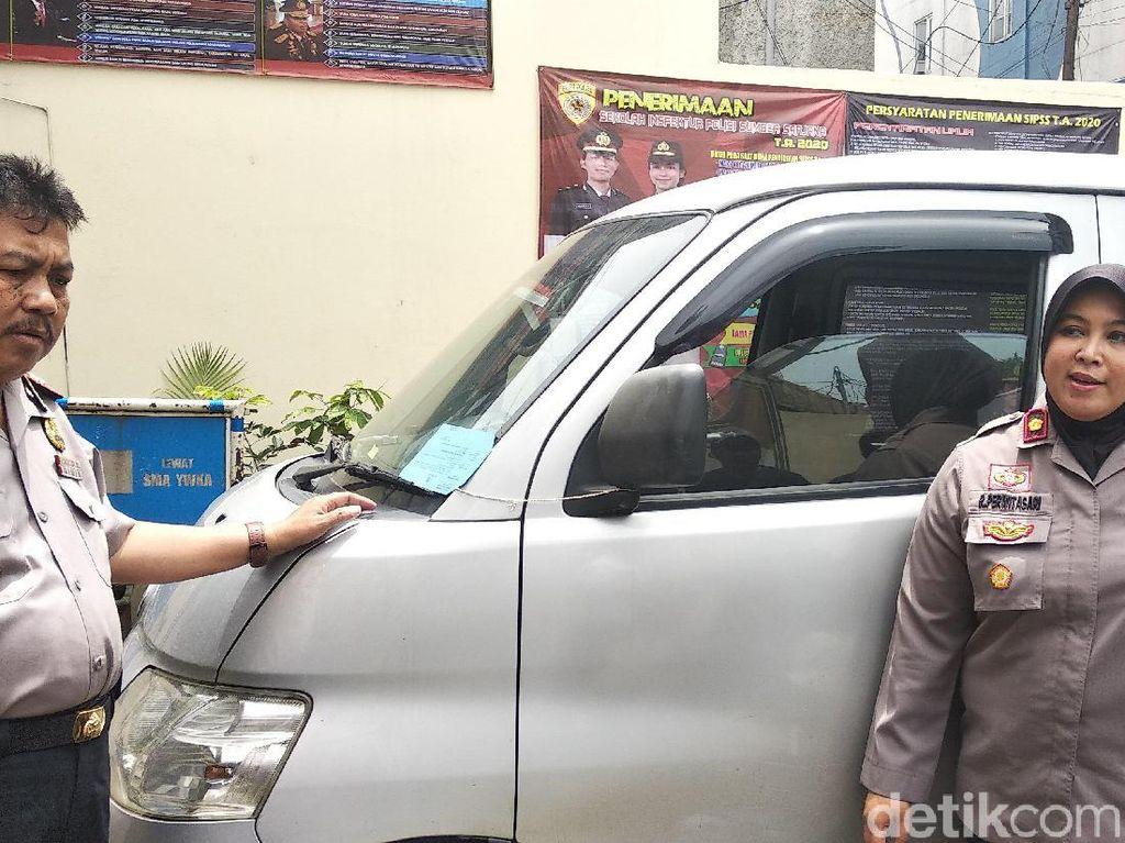 Pura-pura Pinjam untuk Dicuci, Dua Pemuda Gasak 2 Mobil di Bandung