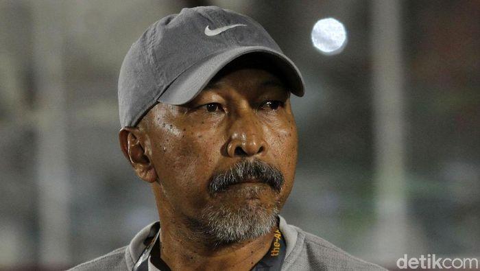 Fakhri Husaini merupakan pelatih sepakbola asal Indonesia
