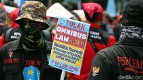 Hitungan Bonus 5 Kali Gaji Buat Buruh di Omnibus Law