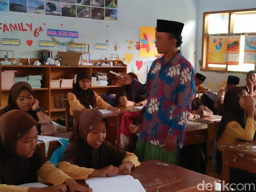 Setiap Jumat, SD dan SMP di Pangandaran Didatangi Ustaz