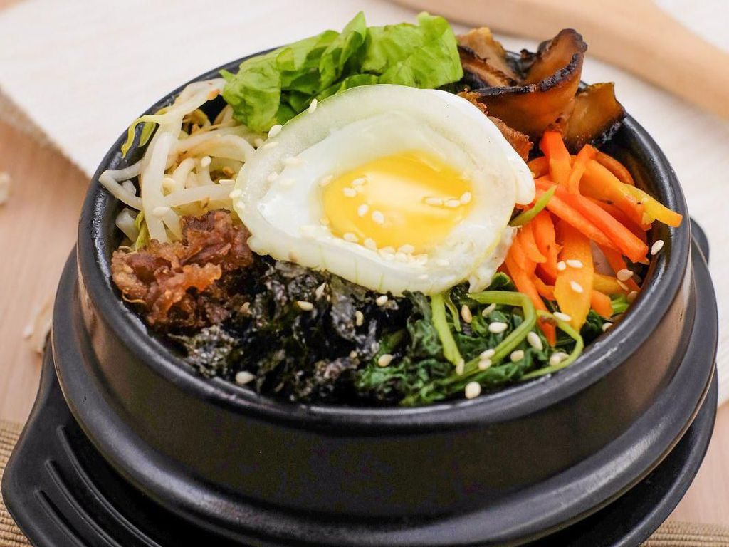 5 Tempat Makan Bibimbap Enak untuk Santap Siang Memuaskan