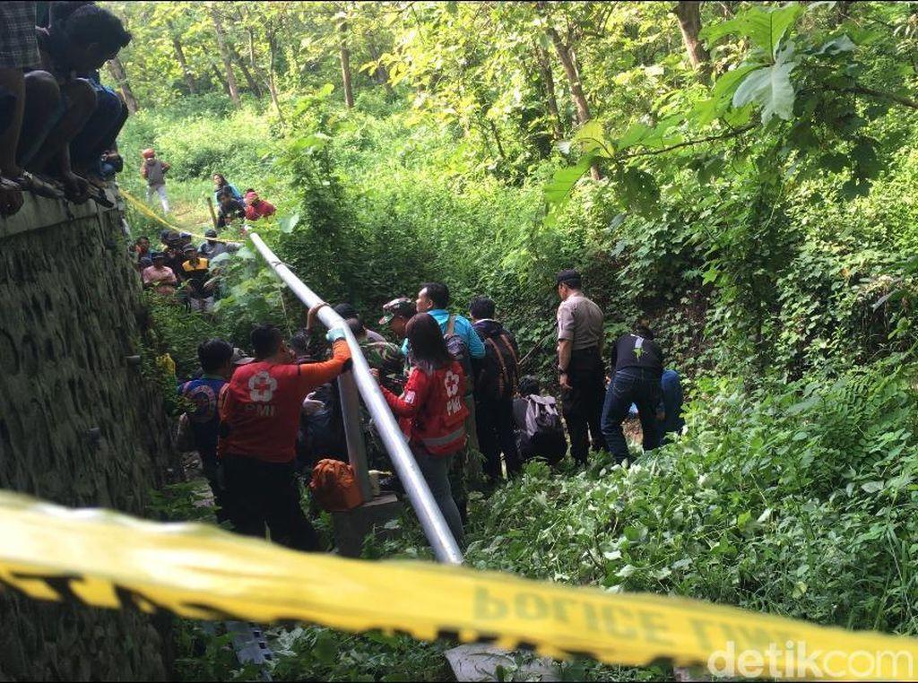 Misteri Kematian Dio yang Ditemukan Tewas di Bawah Jembatan Mojokerto