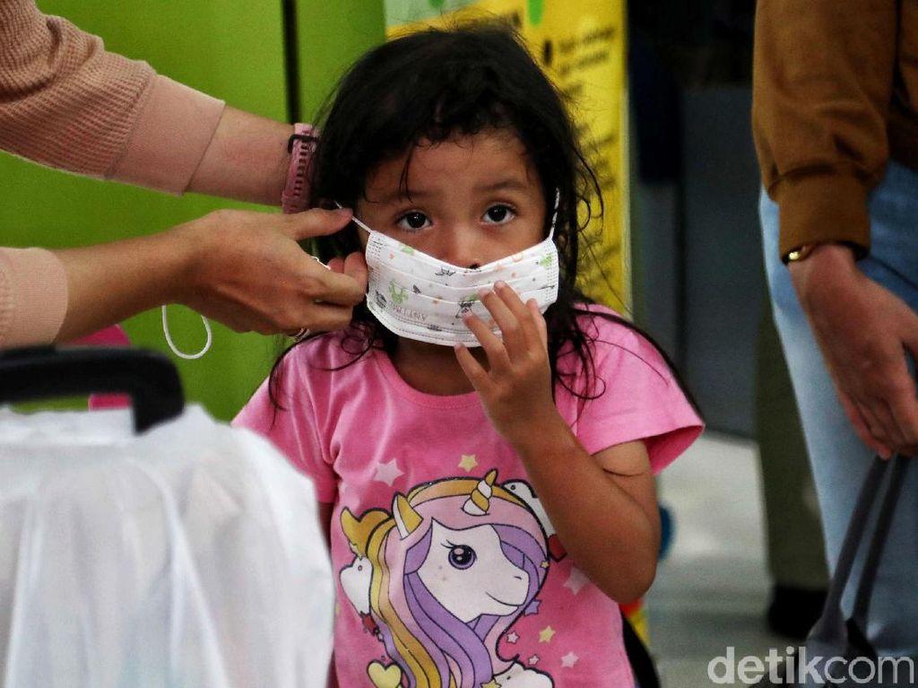 Anak Jarang Kena, Kenapa Virus Corona Lebih Galak ke Orang Dewasa?
