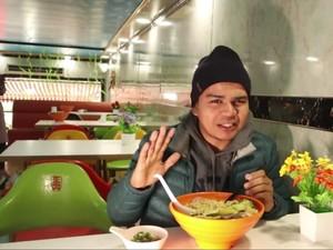 YouTuber Indonesia Ini Cicipi Kuliner Halal Wuhan yang Bikin Ngiler