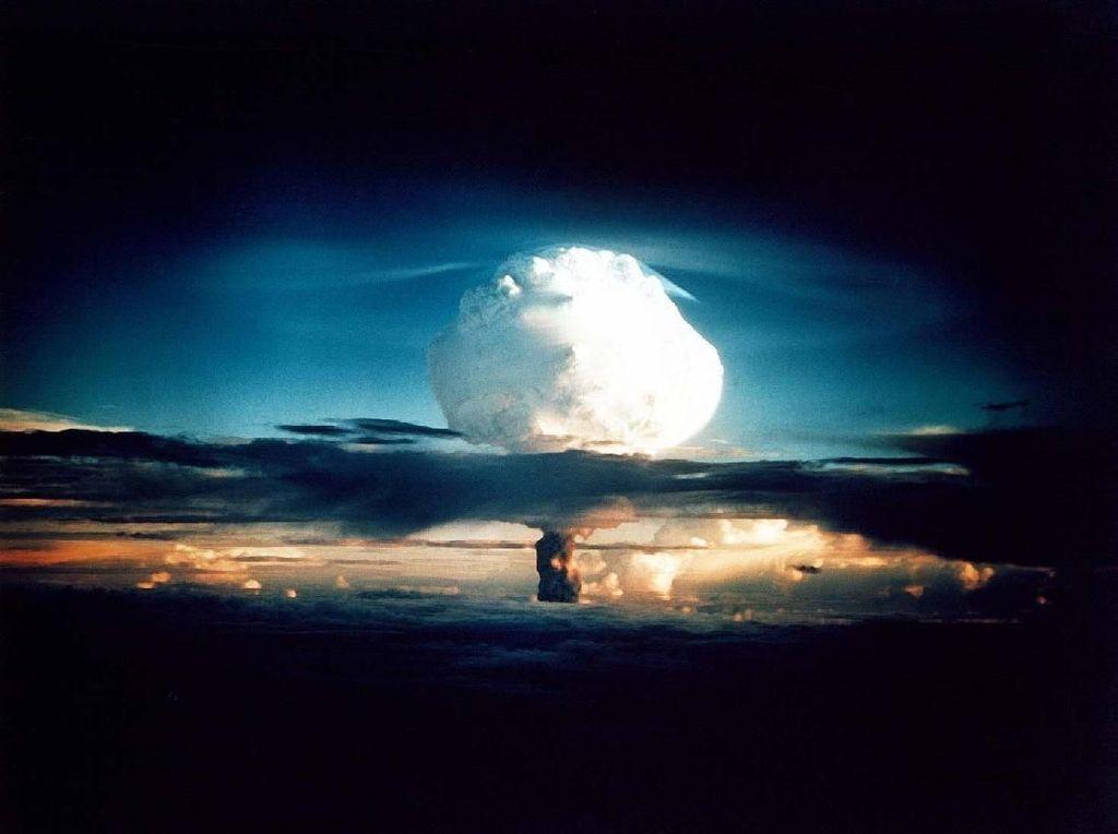 Ogah Dikalahkan Soviet, AS Bikin Bom Hidrogen