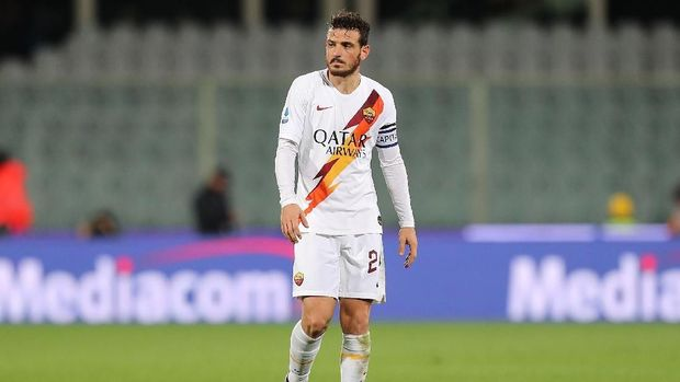 FLORENCE, ITALY - DECEMBER 20: Alessandro Florenzi of AS Roma looks on during the Serie A match between ACF Fiorentina and AS Roma at Stadio Artemio Franchi on December 22, 2019 in Florence, Italy.  (Photo by Gabriele Maltinti/Getty Images)