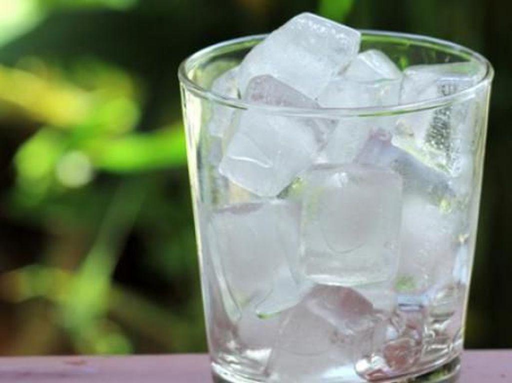 Waspada Virus Corona, Warga Malaysia Dilarang Minum Es Sembarangan