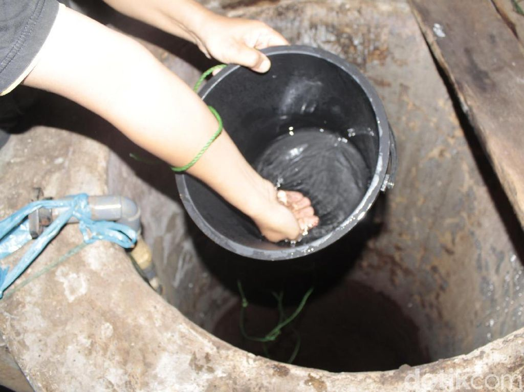 Geger! Muncul Air Panas dari Sumur Warga di Cimahi
