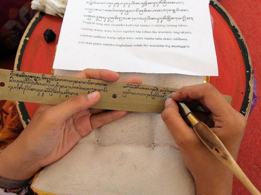 Mengenal Aksara Bali, dari Sejarah hingga Jenisnya Lengkap