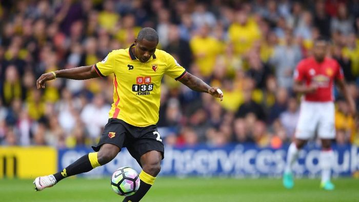 WATFORD, ENGLAND - SEPTEMBER 18: Odion Ighalo of Watford misses a chance to score for Watford during the Premier League match between Watford and Manchester United at Vicarage Road on September 18, 2016 in Watford, England.  (Photo by Laurence Griffiths/Getty Images)