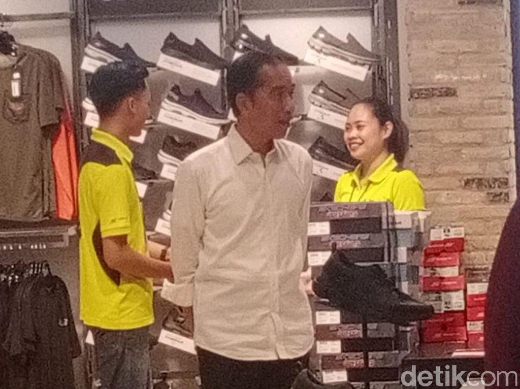 Dari Yogya Mampir Solo, Jokowi Ajak Cucu Main ke Mal