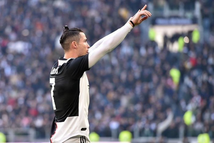 TURIN, ITALY - FEBRUARY 02: Cristiano Ronaldo of Juventus celebrates after scoring his second penalty during the Serie A match between Juventus and  ACF Fiorentina at Allianz Stadium on February 02, 2020 in Turin, Italy. (Photo by Tullio M. Puglia/Getty Images)