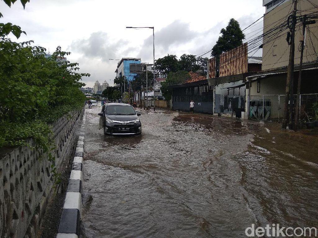 28 RW Terendam Banjir di Jakarta, Paling Tinggi Cawang 80 Cm