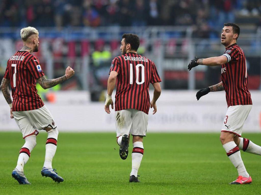 AC Milan Gagal Menang Lawan 10 Pemain Hellas Verona