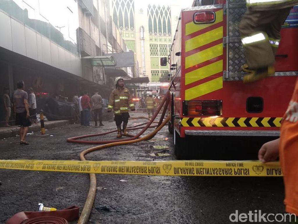 Kebakaran Tanah Abang, Api Menjalar ke Ruko Tekstil Lainnya