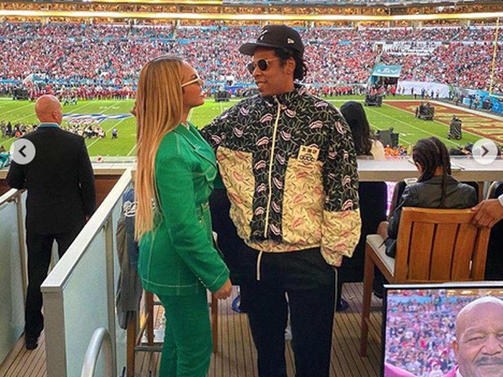 Alasan Beyonce Duduk saat Lagu Nasional Berkumandang di Super Bowl 2020