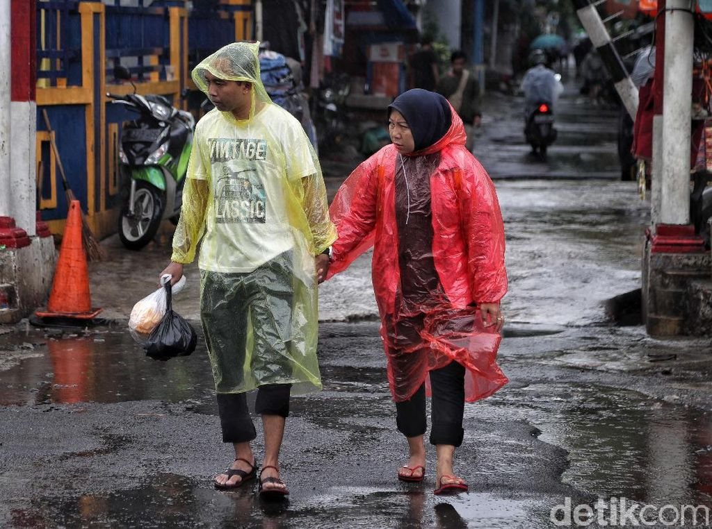 Bikin Gampang Sakit, Ini Makanan yang Harus Dihindari Saat Musim Hujan
