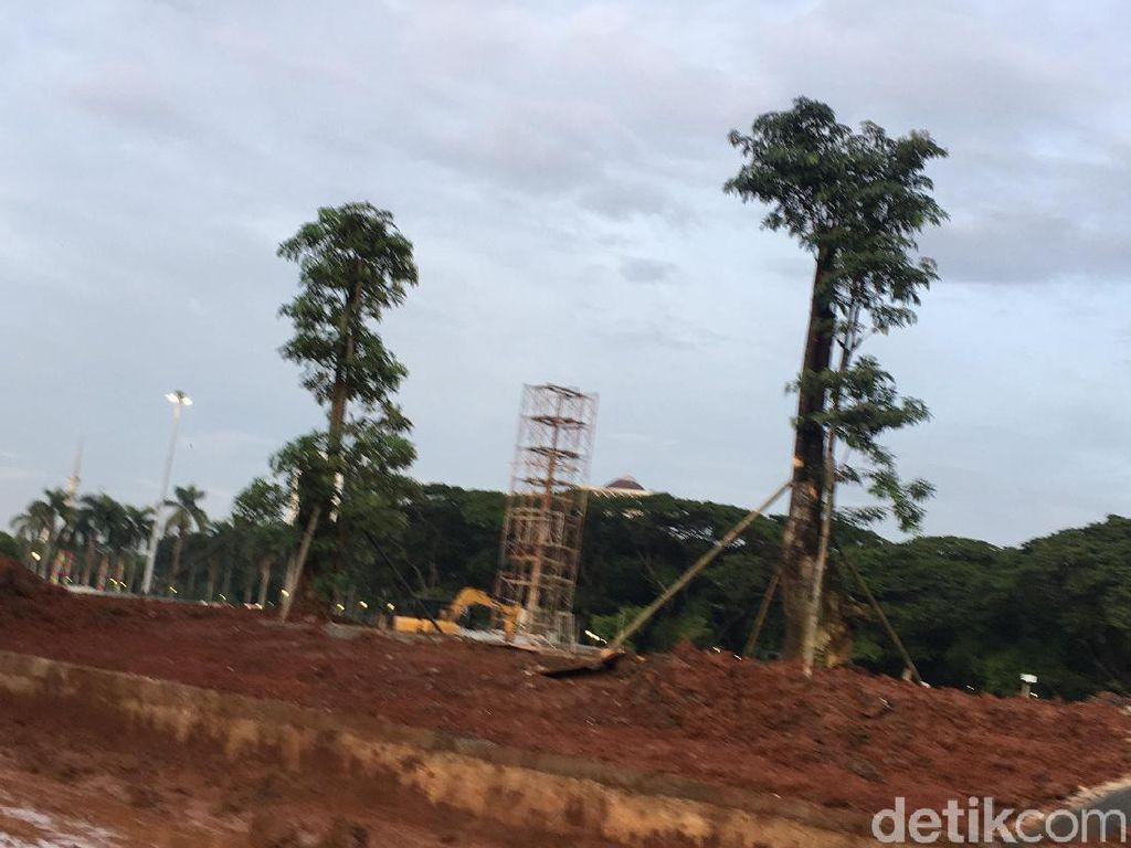Dinas Cipta Karya: Pohon yang Ditebang di Monas Bisa Jadi Furniture
