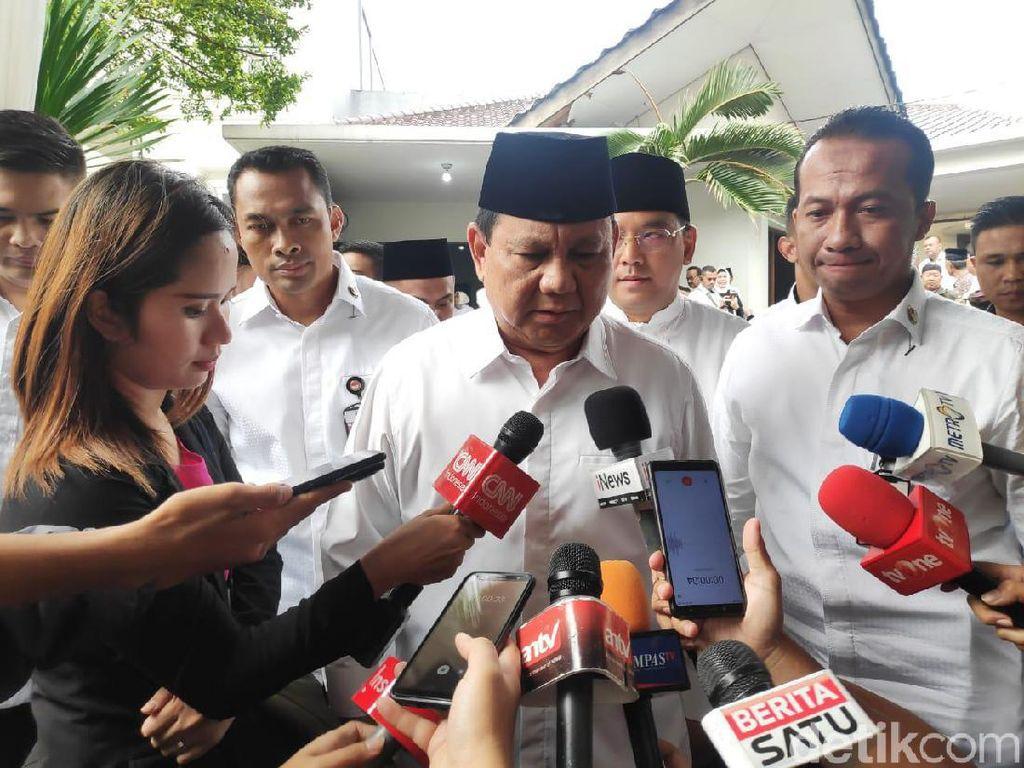 Prabowo Sebut Almarhum Gus Sholah Tokoh Bangsa yang Sangat Penting