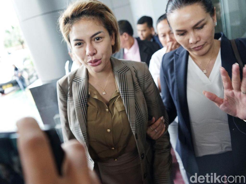 Dampak Corona, Nikita Mirzani Potong THR Pegawai