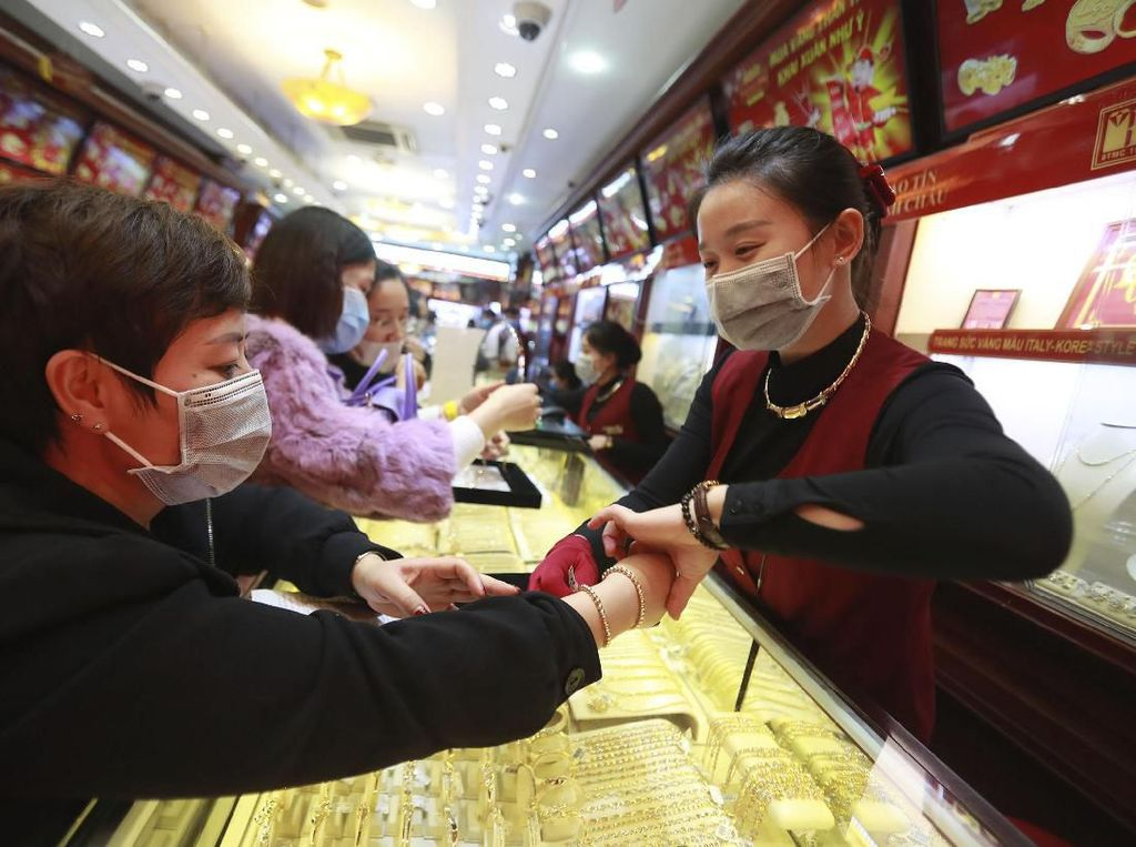 Nggak Cuma di Indonesia, Harga Masker di Malaysia Capai Rp 500 Ribu!