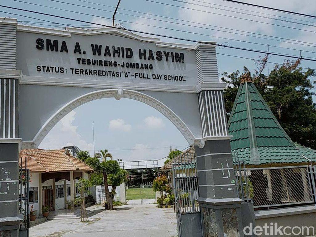Gus Sholah Wafat, 12 Sekolah Yayasan Hasyim Asyari Diliburkan