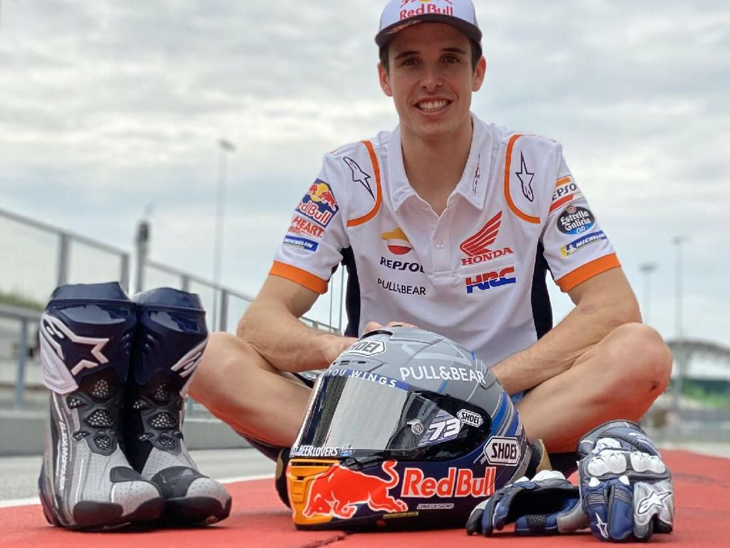 Siap Tempur, Alex Marquez Pamer Helm MotoGP