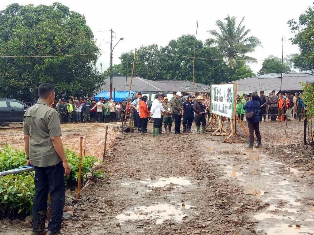 Jokowi Minta Gubernur-Bupati Tentukan Lahan Relokasi Korban Longsor Bogor