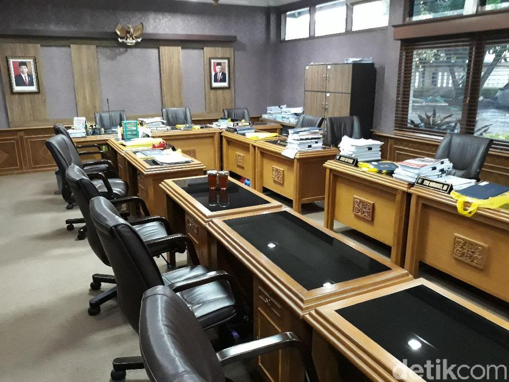 65 Persen Anggota DPRD Solo Hari Ini Izin, Begini Suasananya