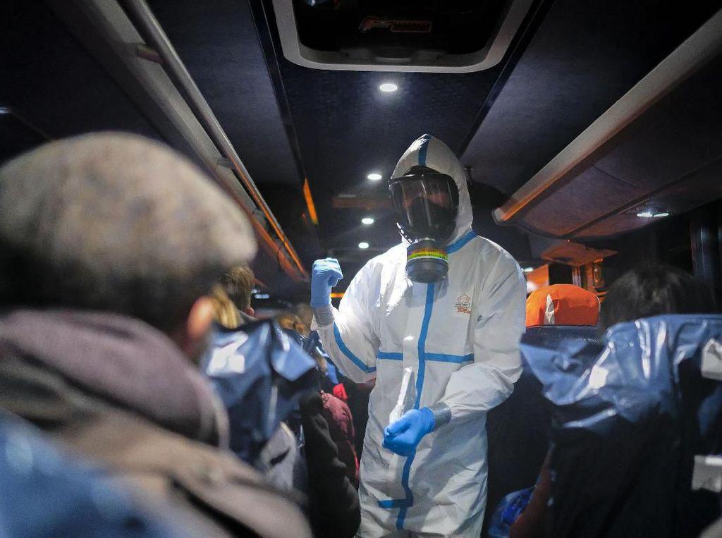 Hindari Corona, Yordania Evakuasi Puluhan Mahasiswa Arab dari Wuhan