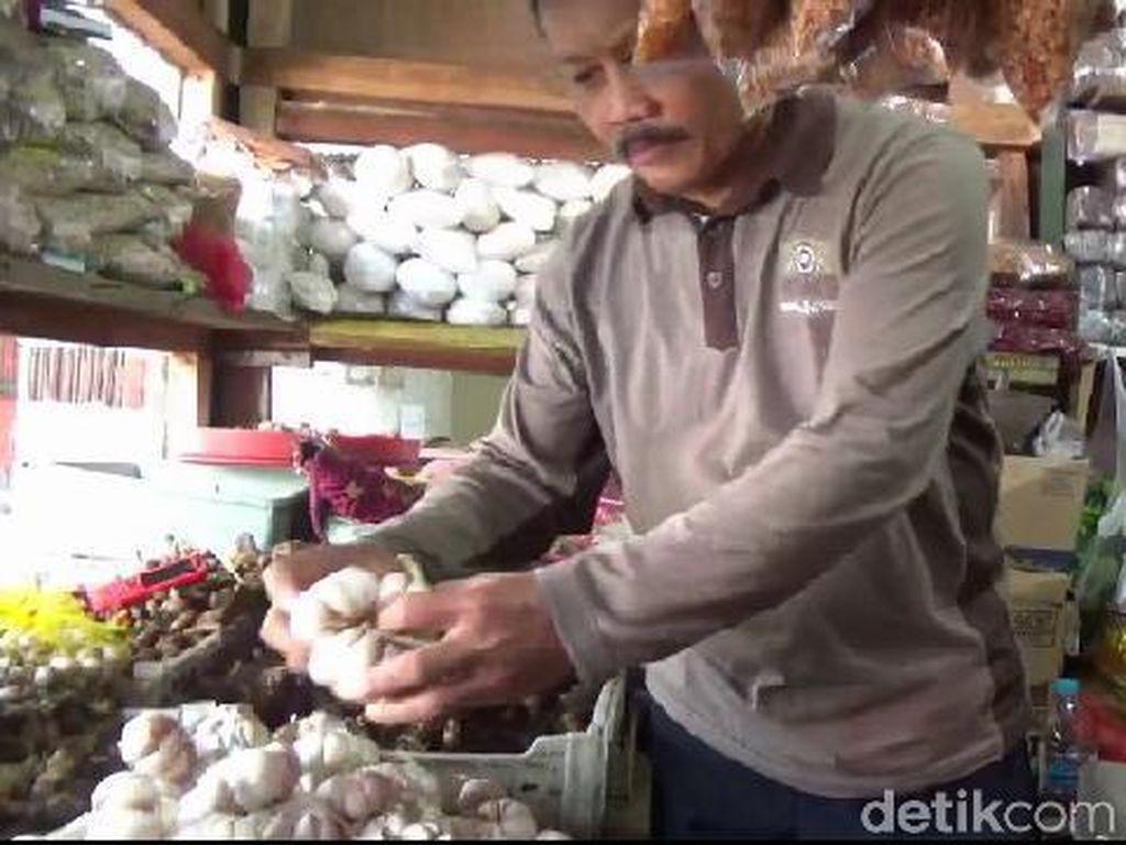 Dampak Virus Corona, Harga Bawang Putih Asal China di Probolinggo Naik