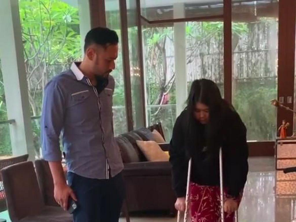 Mohon Doanya... Cucu SBY Alami Fraktur di Kaki Kanannya