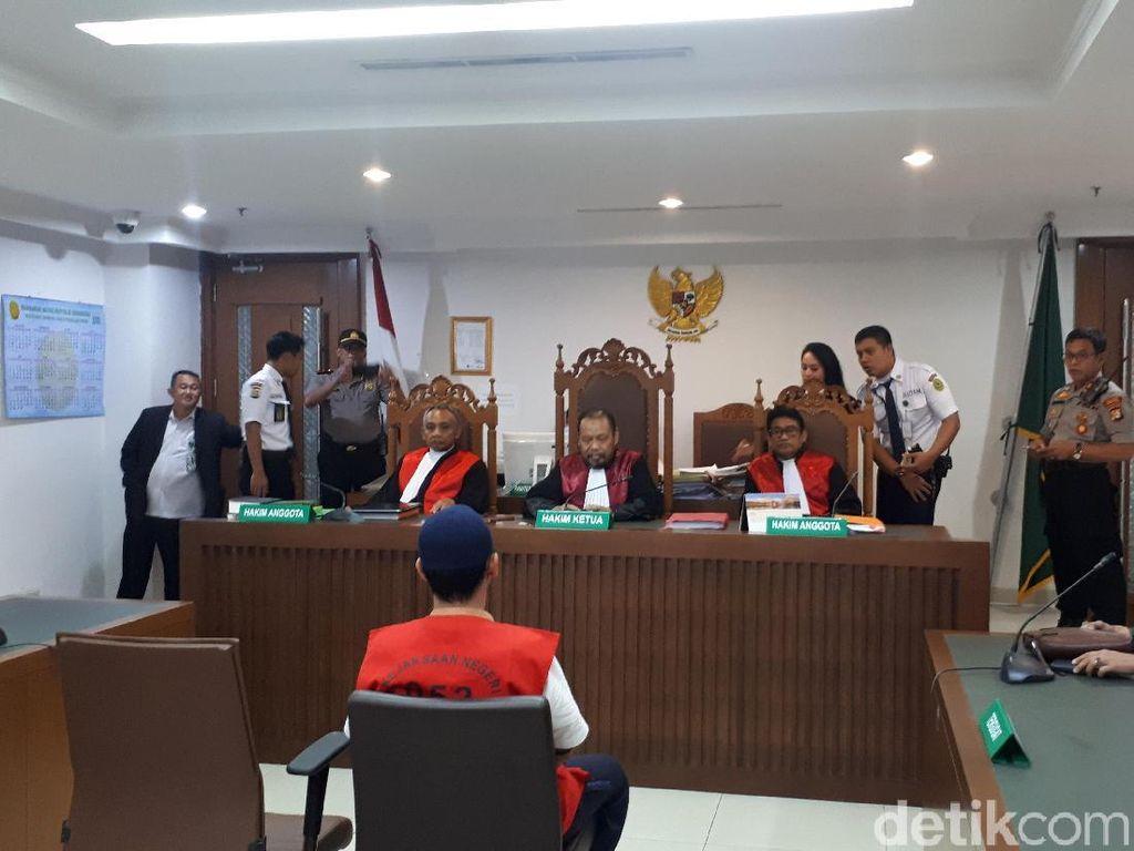 Jaksa Tak Hadir, Sidang Tuntutan Pria Ancam Penggal Jokowi Ditunda