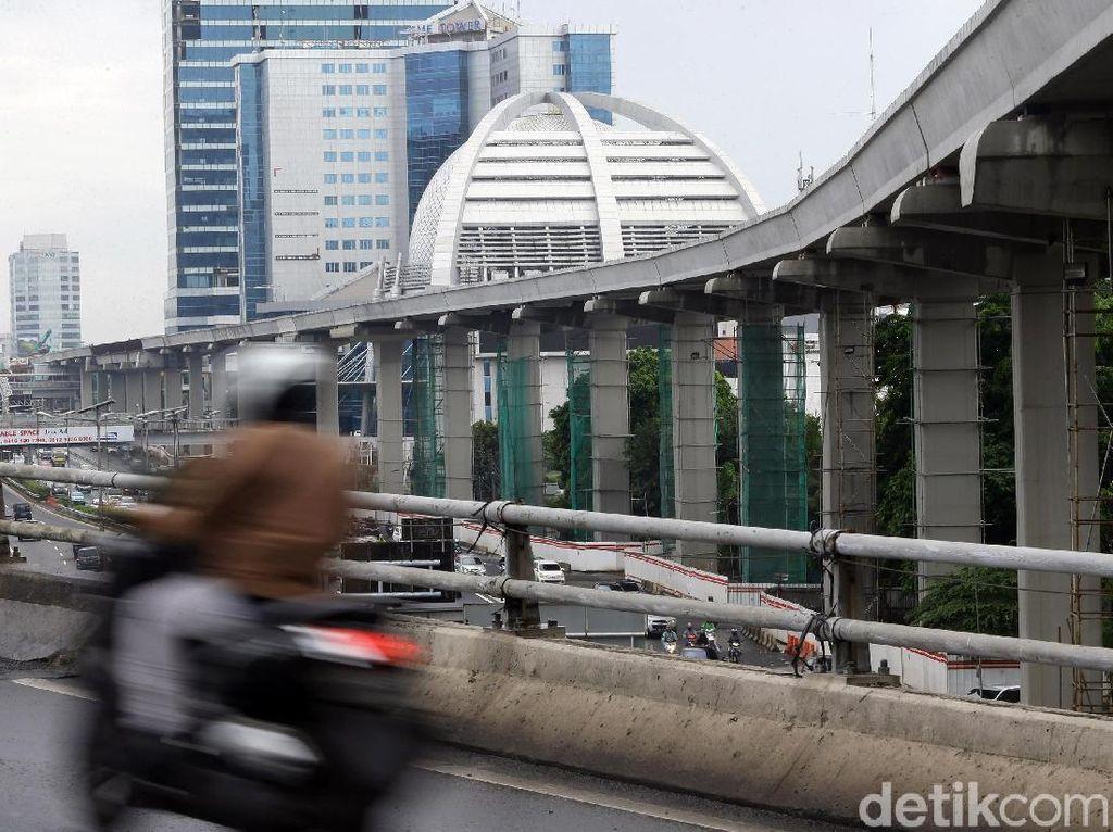 Proyek Pembangunan LRT Jabodebek Mundur dari Target