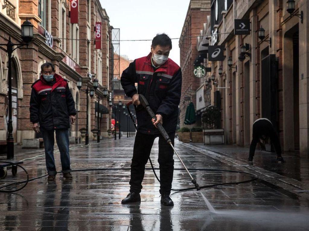 Perangi Rasis Terkait Virus Corona, Video Aksi Menyentuh Pria China Viral