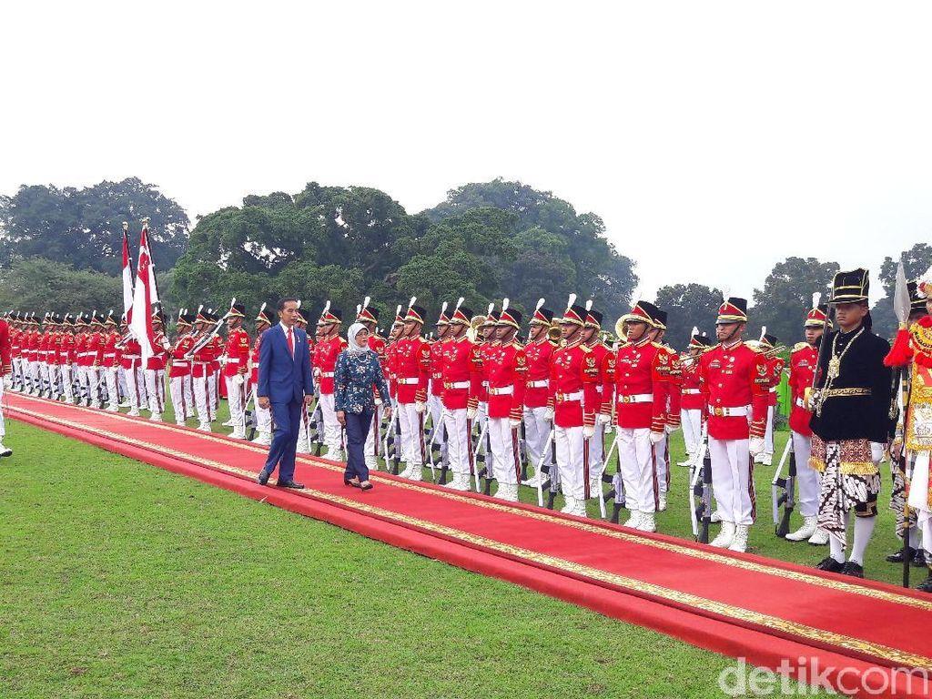 Jokowi Puji Presiden Singapura yang Peduli Isu Perempuan dan Pendidikan