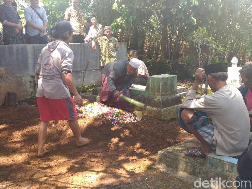 Ada Luka Sayat di Leher Bocah SD yang Ditemukan Tewas di Kebun Durian