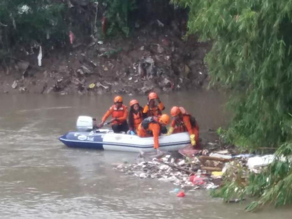 Remaja 16 Tahun yang Tenggelam di Kali Bekasi Ditemukan Tewas