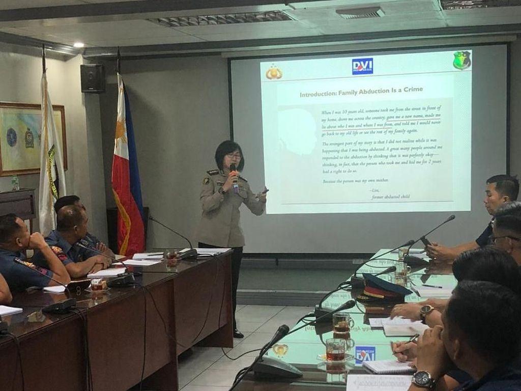 Pusdokkes Polri Beri Pelatihan DVI ke Polisi Filipina di Manila