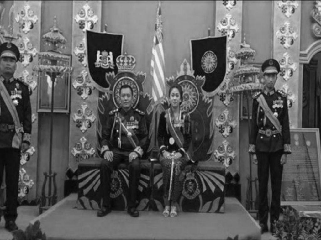 Raja-Raja di Era Demokrasi