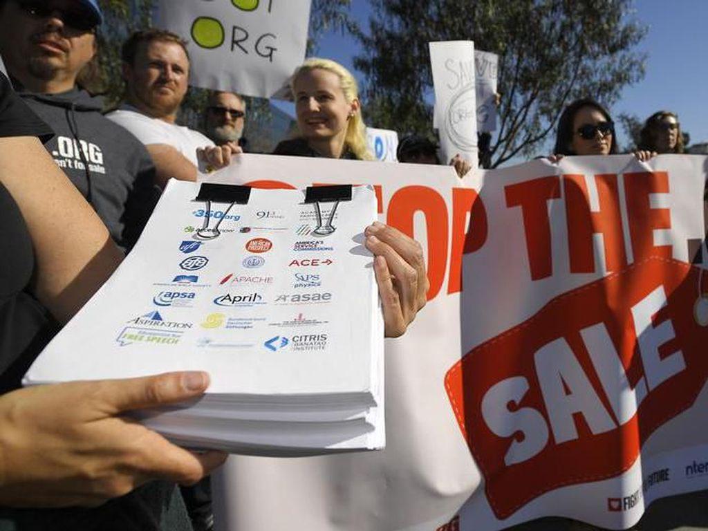 Organisasi Nirlaba Kritik Penjualan Domain Internet .org